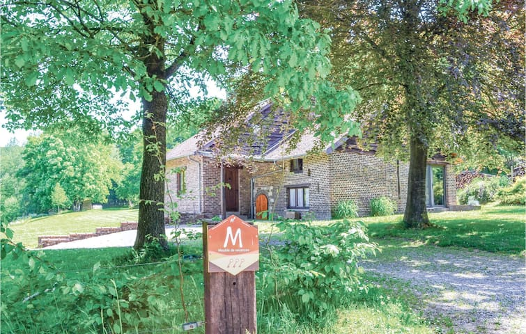 Holiday cottage with 4 bedrooms on 160m² in Pondrôme