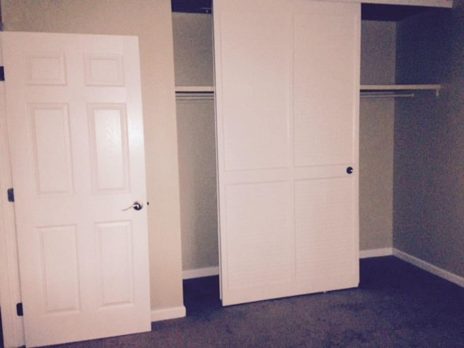 Room/Closet