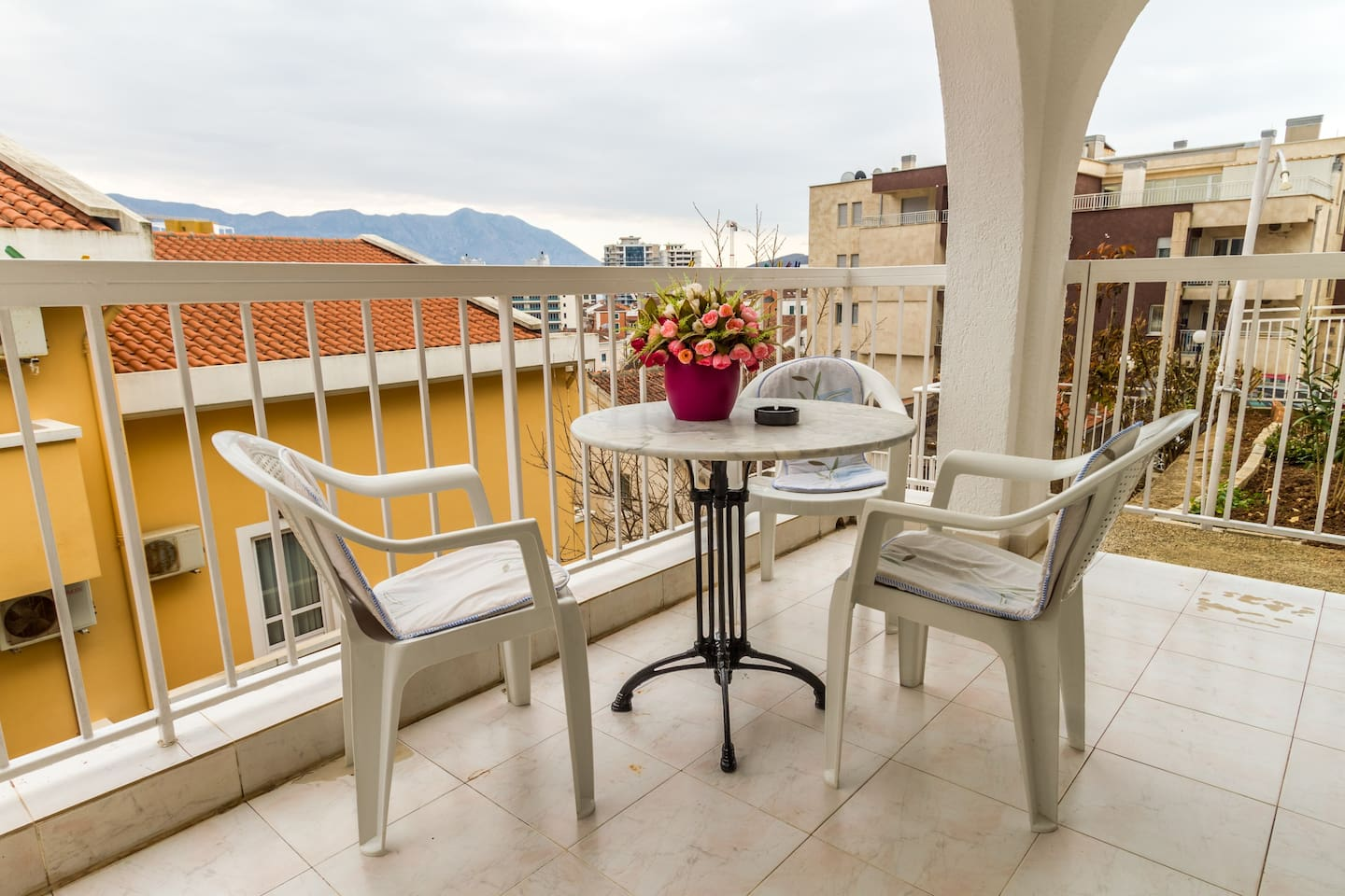 Our house offers a beautiful rich garden where you can enjoy your summer days in peace and quiet and beauty. You will love the terrace which offers the full panoramic view of the city and the sea while being only minutes away from the Old Town.