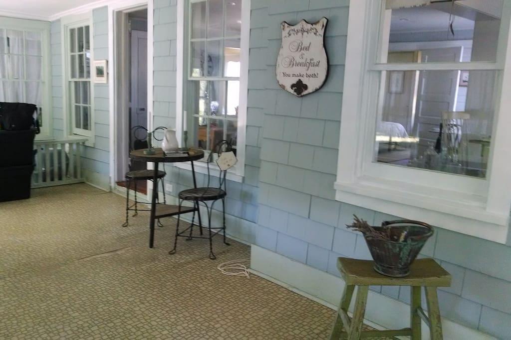 Indoor quaint porch