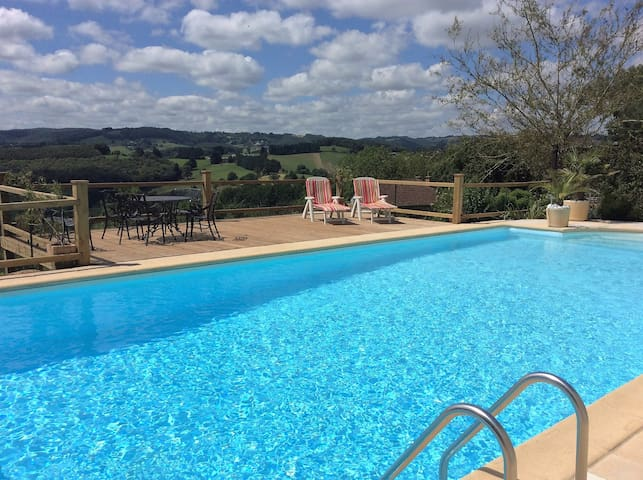 Le Coin Perdu  Stunning Gite + Pool - Montsalvy - Apartment