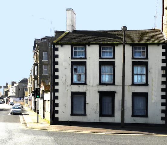 Fantastic First Floor Morecambe Bay Apartment