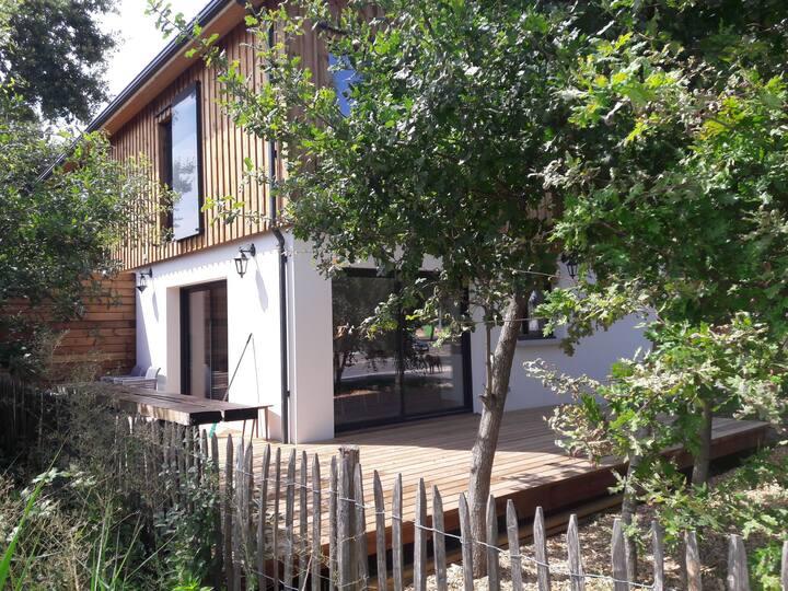 Maison neuve de 86m2 à Lacanau Ville, au calme.