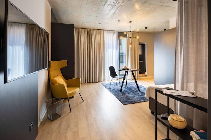 JOYN Vienna - Category Studio+