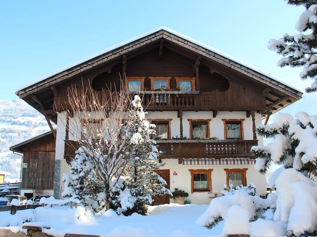 Ferienwohnung Stiplerhof für 12 Personen in Fügen