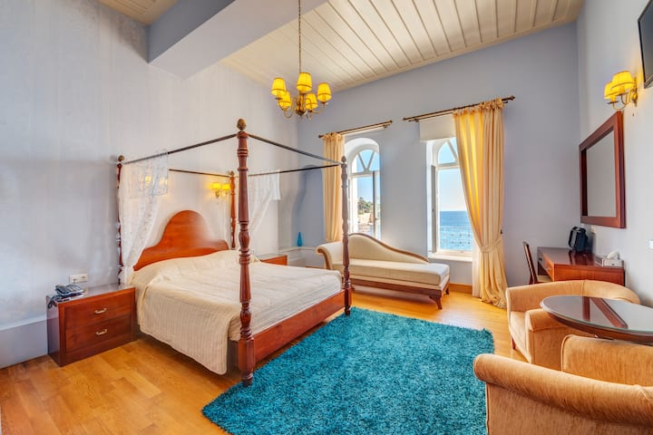 Neoclassical Honeymoon Suite in Syros