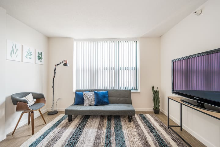 Your Private & Equipped Home in River North