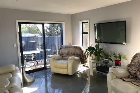 Share my sunny modern Havelock North townhouse