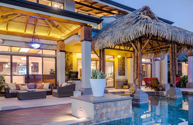 LUXURY Tropical Estate in Papagayo w/ Butler
