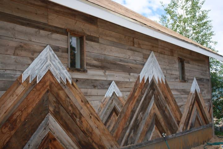 Craftsmanship north wall