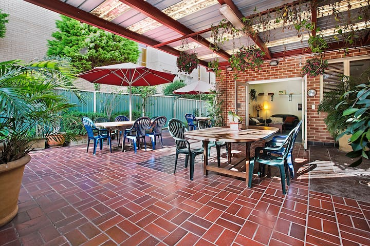 Unique Bed and Breakfast in Ashfield