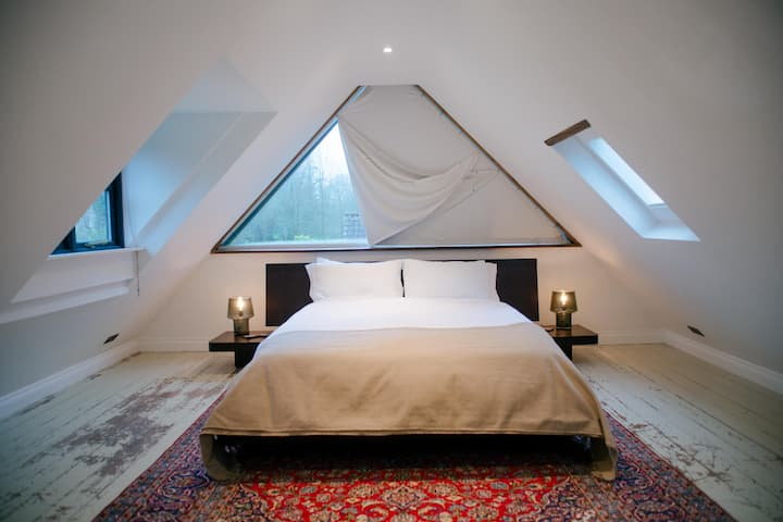 Riverside Dormer. Private studio: Mells, Babington