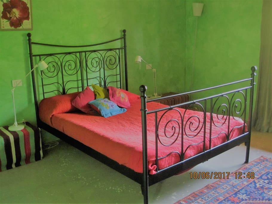 camera letto stanza con bagno esterno