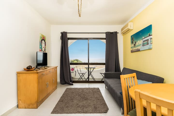 Laut White Apartment, Carvoeiro, Algarve