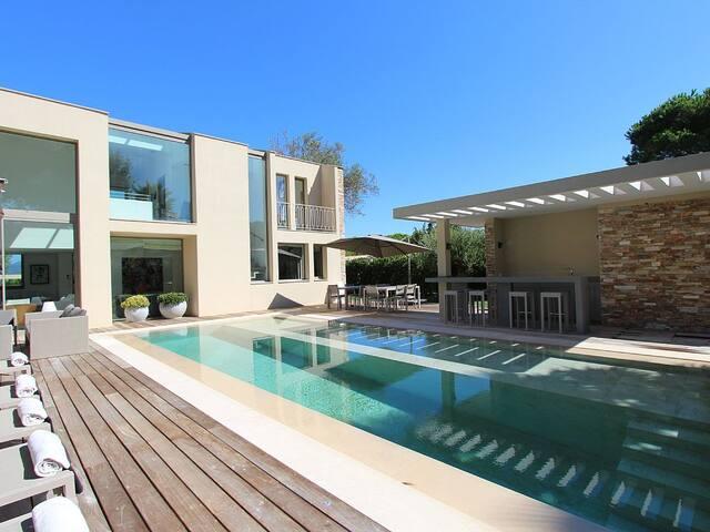 Luxury Contemporary Villa for 10 Guests - El Médano - Villa