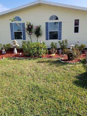 Quiet little home in Port St. Lucie, FL