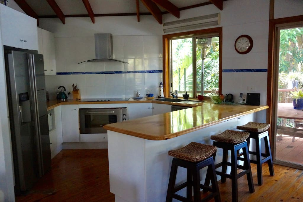 Fully appointed kitchen with Ice & Water Fridge & Dishwasher
