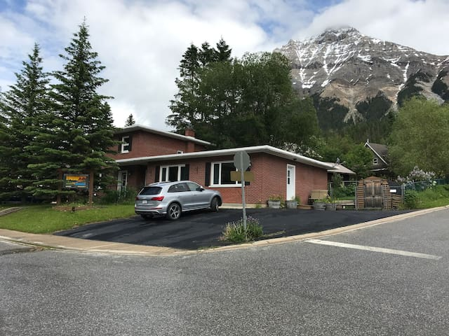 Canadian Rockies Inn, your home away from home.