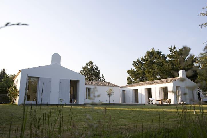 Maison d 39 architecte zen et harmonie l 39 le d 39 yeu maisons lo - Maison a louer ile d yeu ...