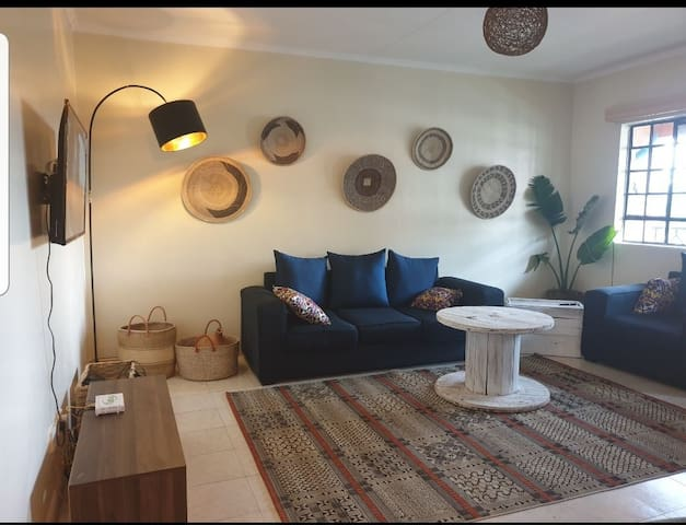 Mara 2 Bed Afro Chic Apt in great location Loresho