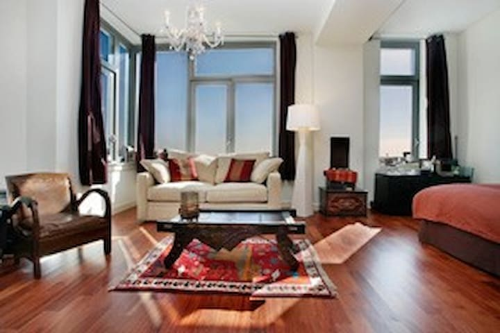 Exquisite, cosy, DUMBO apt with spectacular views