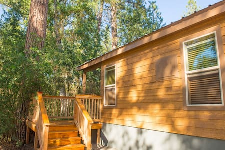 Brand New Yosemite Tiny House B - Ahwahnee - Blockhütte
