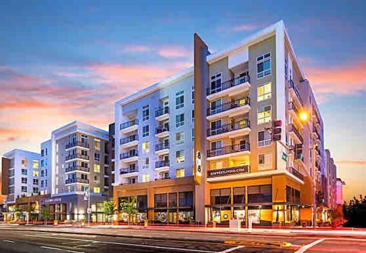 Large Luxury 3BED 2BA Condo Near Downtown San Jose