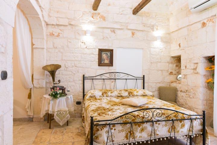 Casa Antico Caminetto nel cuore del Centro Storico - San Michele Salentino - Haus