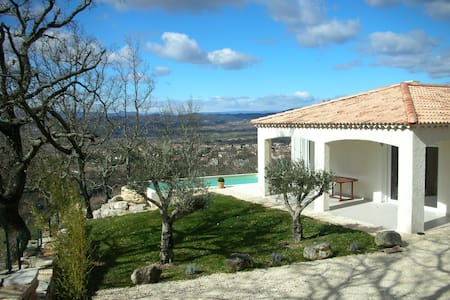 Villa neuve avec piscine - Barjac - Villa