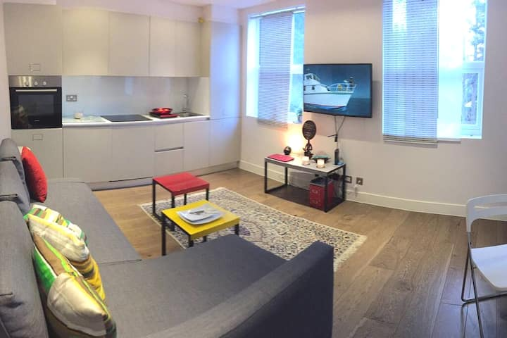 Secure & luxurious oasis of calm to enjoy LDN