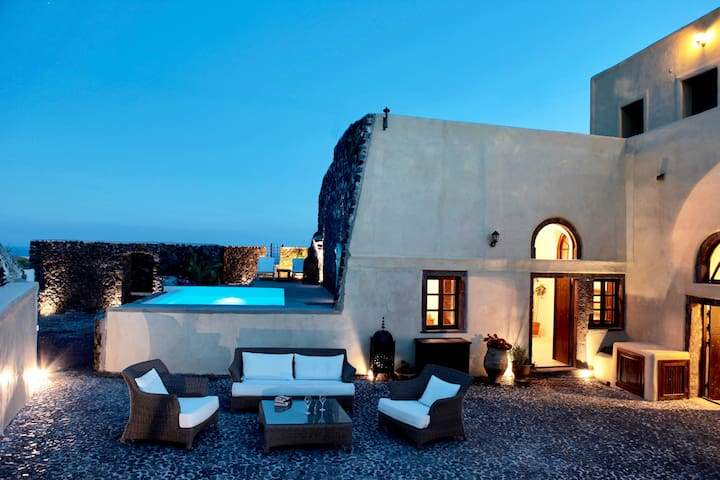 SPECTACULAR SANTORINI VILLA with CAR & TRANSFER - Santorini - Villa