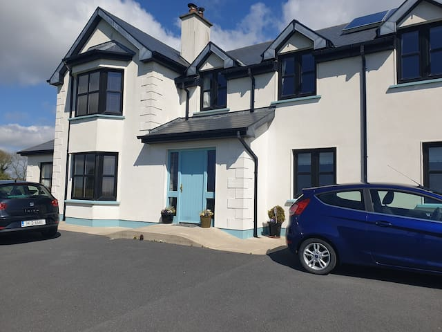 Double ensuite Room 15 mins from Dungarvan