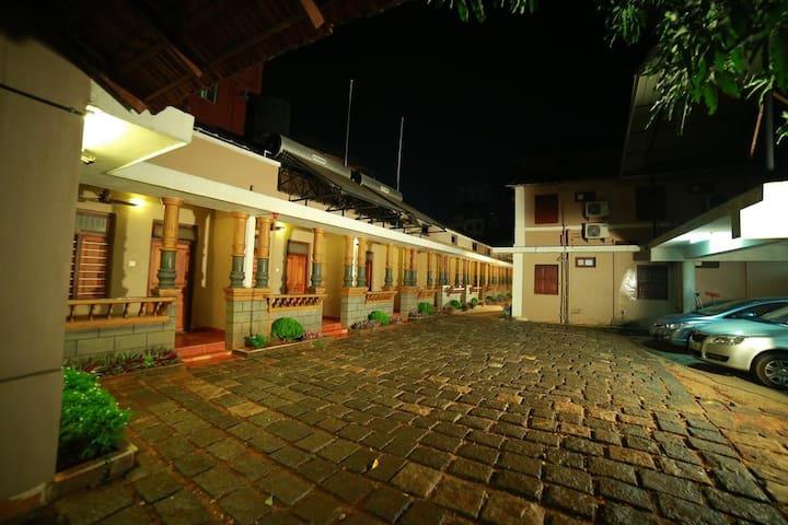 Colloquial stay at Kochi
