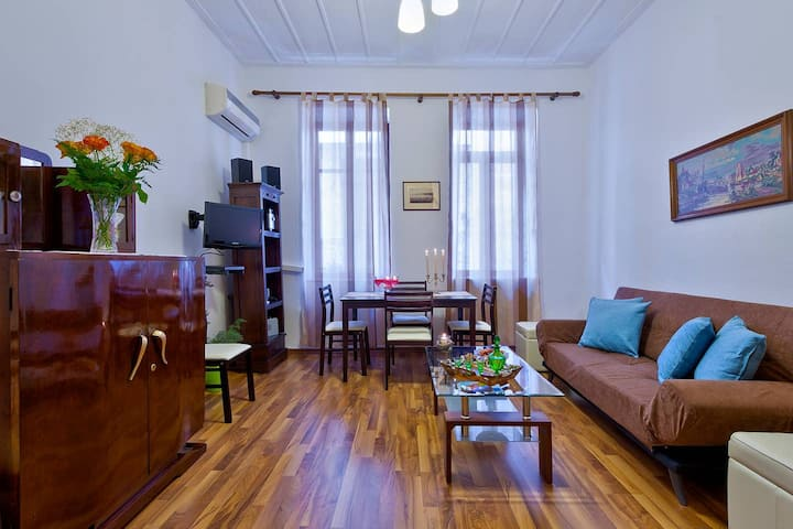 Aphrodite House | In The Heart Of Chania Old Town