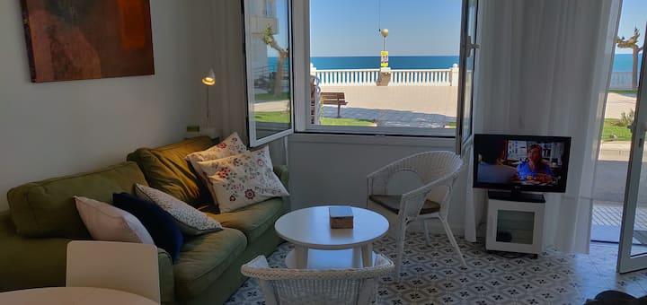 L'Ametlla de Mar, apartment in front of the sea.