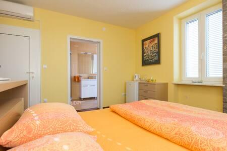 Orange room, Omišalj Krk - Omišalj