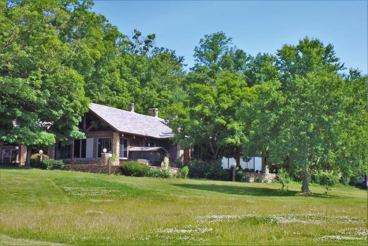 Spring Lake Ranch Lodge