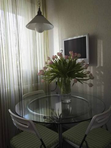 Bright and cozy apartment near the city center - Sankt-Peterburg - Wohnung
