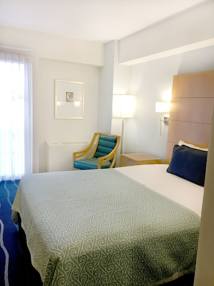 Ala Moana Hotel cond