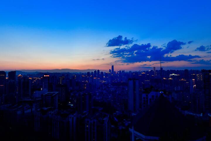 Chongqing山顶揽胜1---在公园里的家