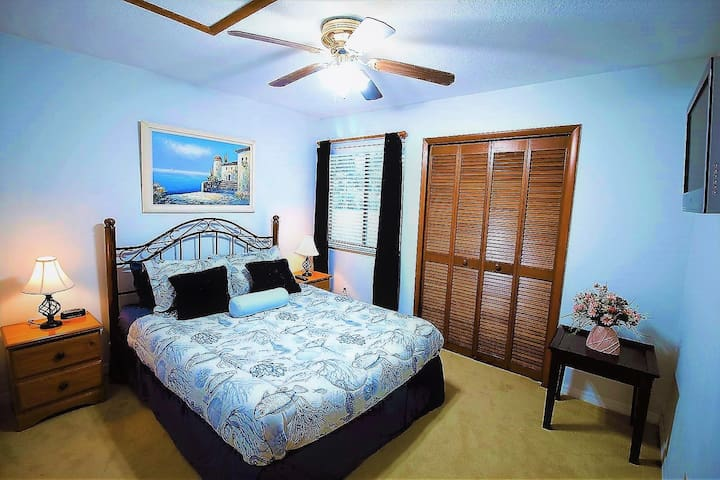 Queen Bed Near to Disney World and Airport