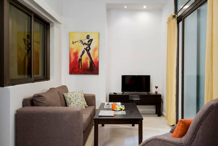 ★ Zeina's 1-Bedroom Apt in Mar Mikhael + Terrace