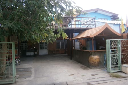 Slow local living- 2 beds, private room b&b - Tambon Pak Chong