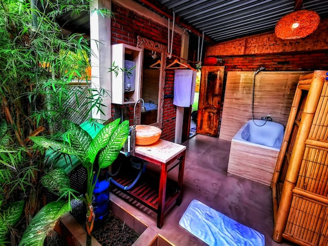 Gypsea Yoga Eco Retreat - Cosy Hut (Atena)