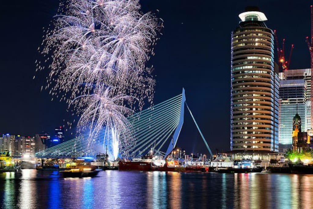 Grootste vuurwerk van Nederland met oud en nieuw..