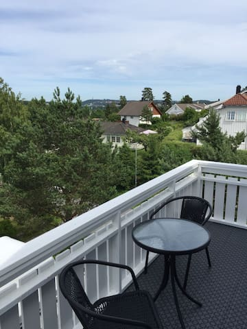 Top-floor apartment - Arendal - Daire