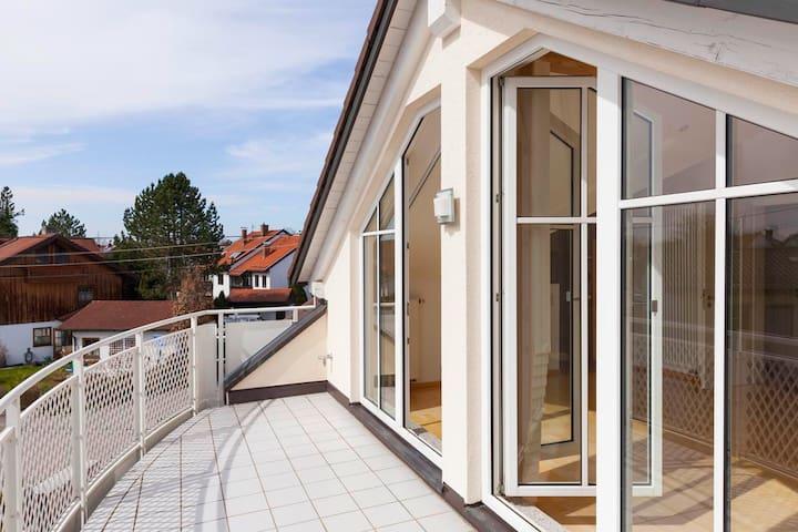 Großzügige, helle Studiowohnung im Osten Münchens - Neubiberg - Apartamento