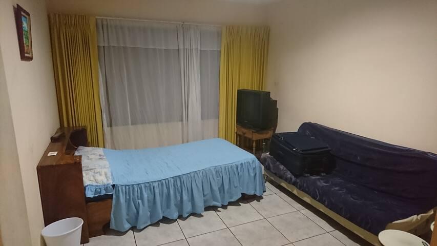 habitacion privada - Casa Omega