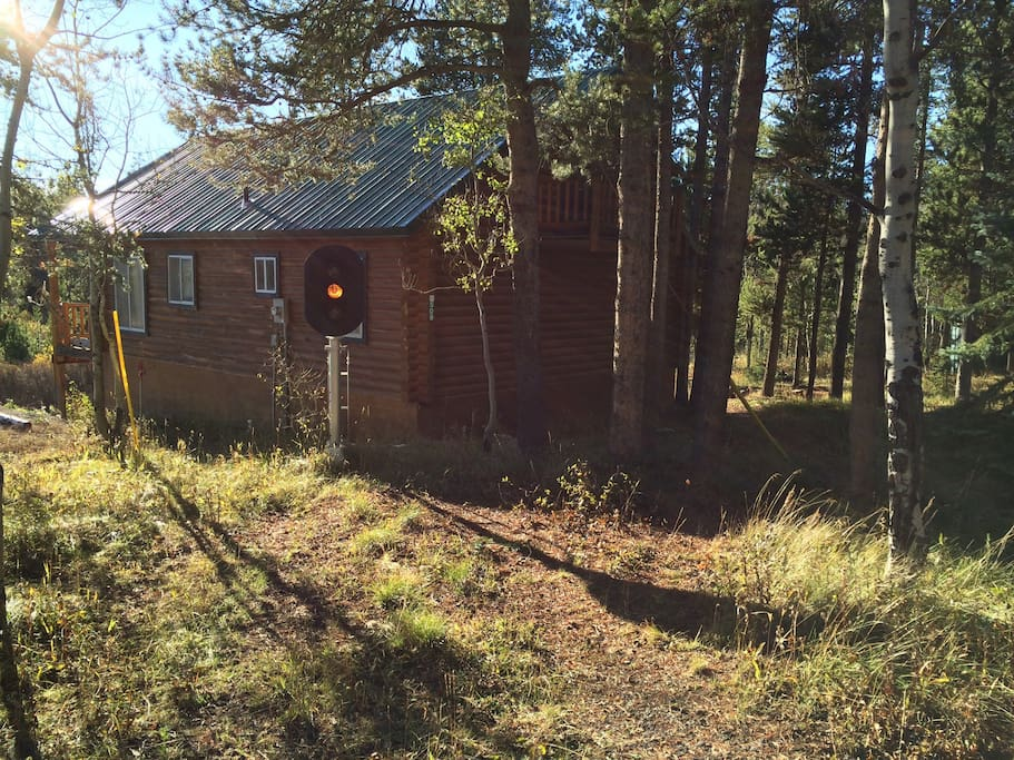 Secluded cabin near yellowstone cabins for rent in for Cabins near yellowstone west entrance