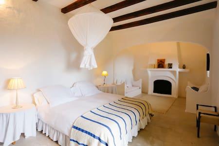 Balcony room, house outskirts Deiá - Deià - Bed & Breakfast